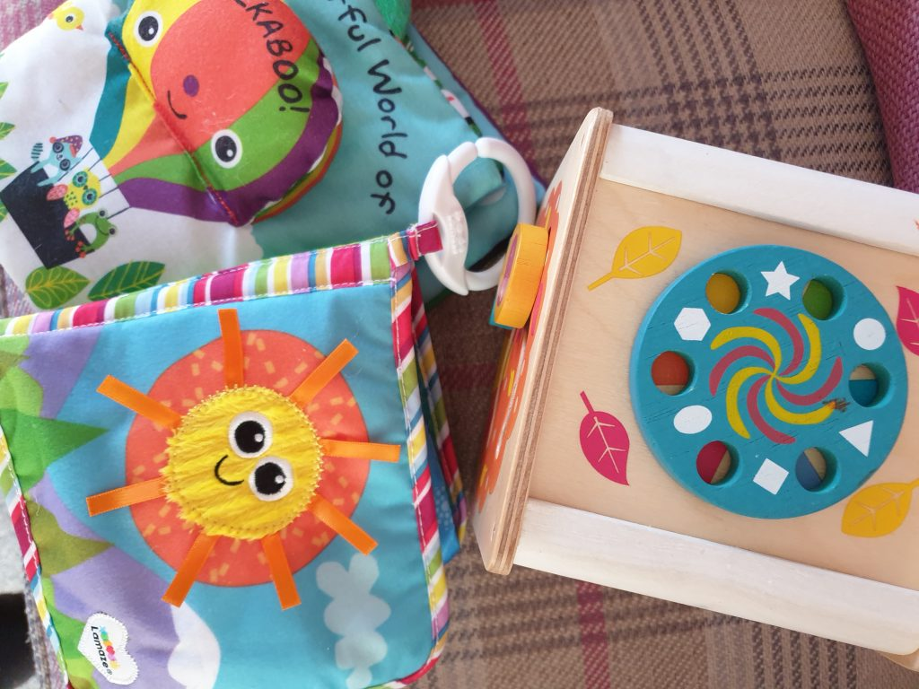 Whirli toy subscription service review: wooden play box, sensory books